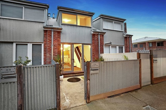 2/4 Pottery Court, Brunswick VIC 3056