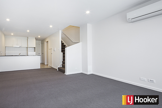 12 Ingold Street, Coombs ACT 2611