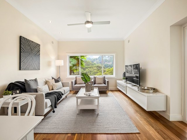 305 Eastern Valley Way, Middle Cove NSW 2068