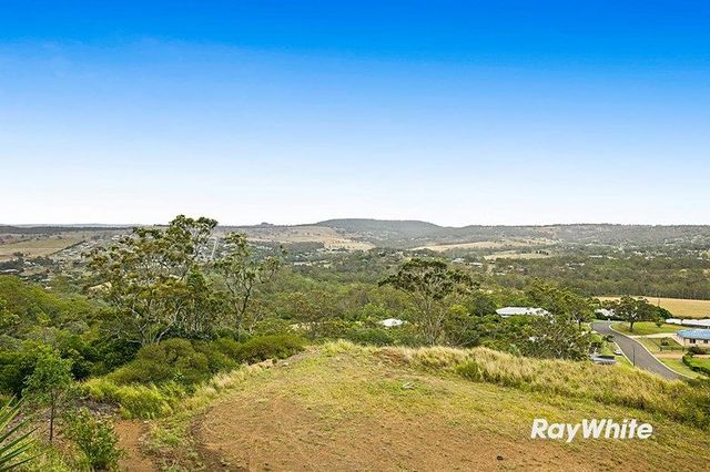 12 Panoramic Drive, Preston QLD 4352