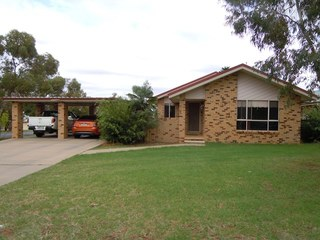 2 Keisling Drive Narrandera NSW 2700