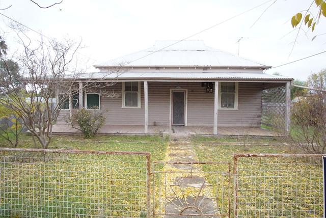35 Menangle Street, Ganmain NSW 2702