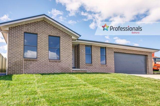 1 Walpole Close, Kelso NSW 2795