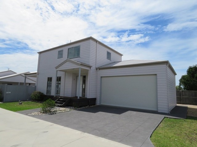 House 3/157 Bay Road, Eagle Point VIC 3878