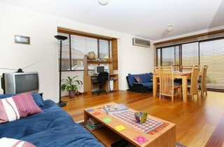 8/35 Anthony Rolfe Avenue