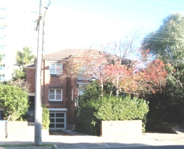 2/11 Bourke Street, North Wollongong NSW 2500