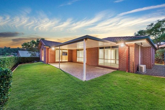 15 Henderson Rise, Pacific Pines QLD 4211