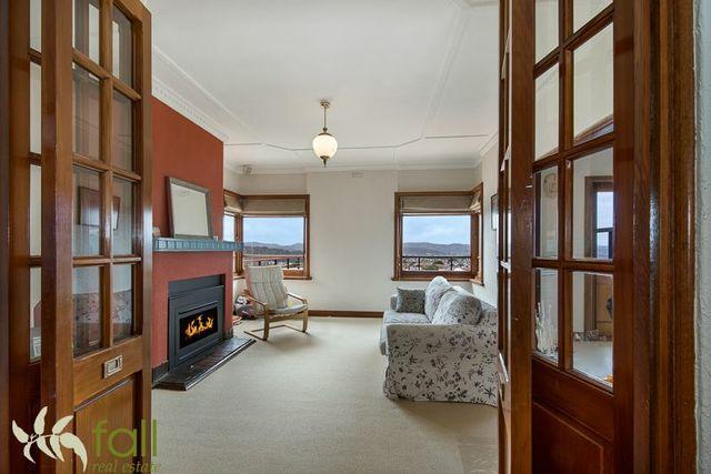 8 Dalton Avenue, West Hobart TAS 7000