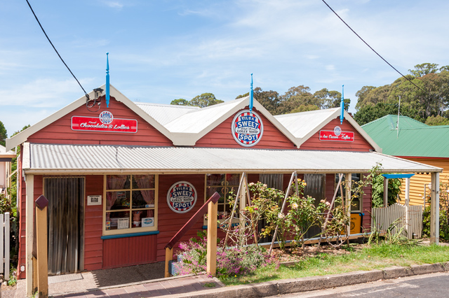 11 Bate Street, NSW 2546