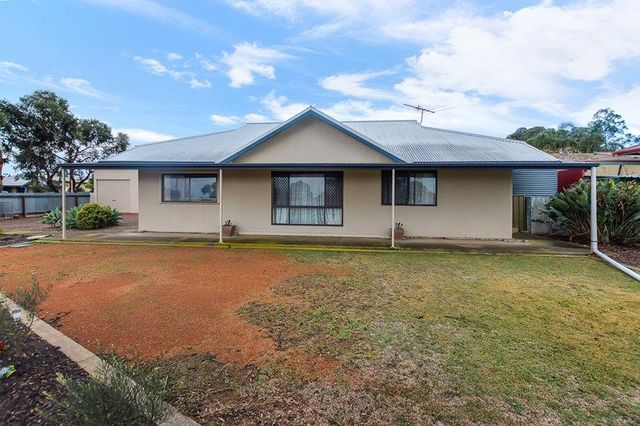 17 Princes Highway, Tailem Bend SA 5259