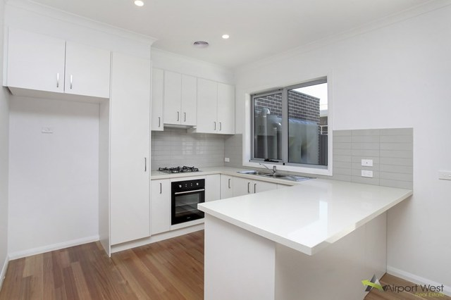 1/12 Hart Street, Airport West VIC 3042