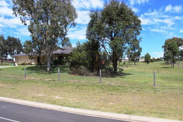 69 Fairway Drive, Kensington Grove QLD 4341