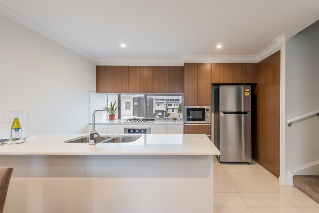 9/8 Henry Kendall Street, ACT 2913