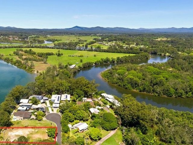 8 Dolphin Court, Urunga NSW 2455