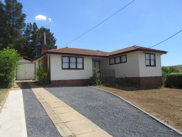 2 North Street, NSW 2630