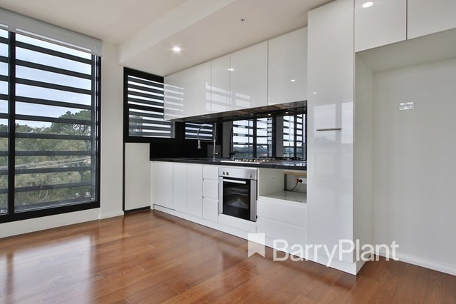 302/3 Red Hill Terrace, Doncaster East VIC 3109