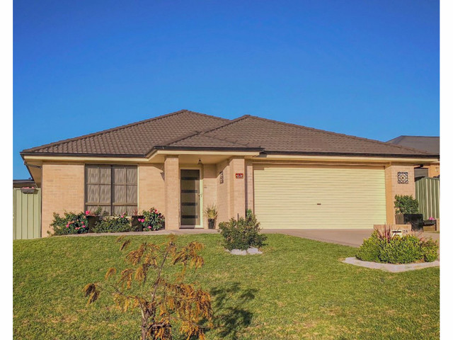 2a Topaz Court, Kelso NSW 2795