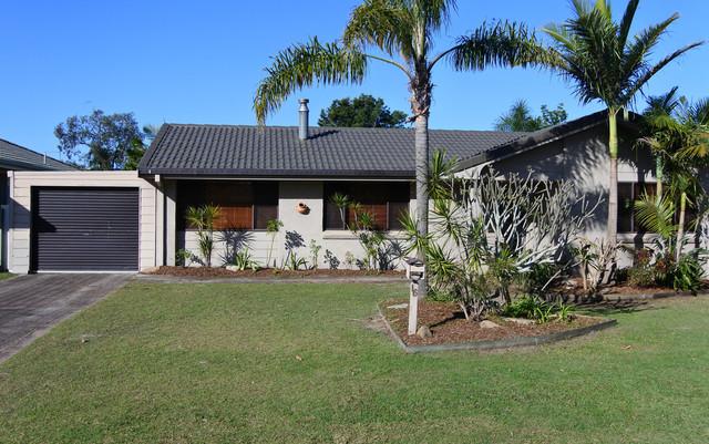 16 Willow Way, Yamba NSW 2464
