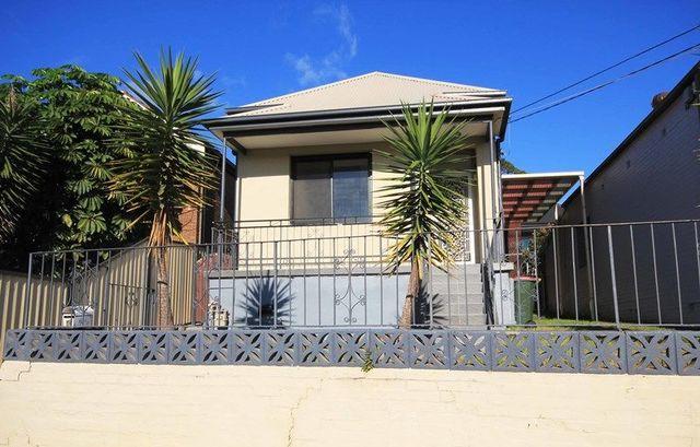 16 Hillcrest St, NSW 2044
