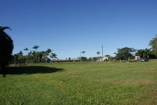 131 Silkwood Japoon Rd, Silkwood QLD 4856