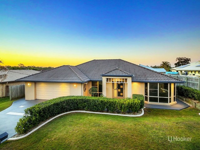 137 Wallum Drive, Parkinson QLD 4115