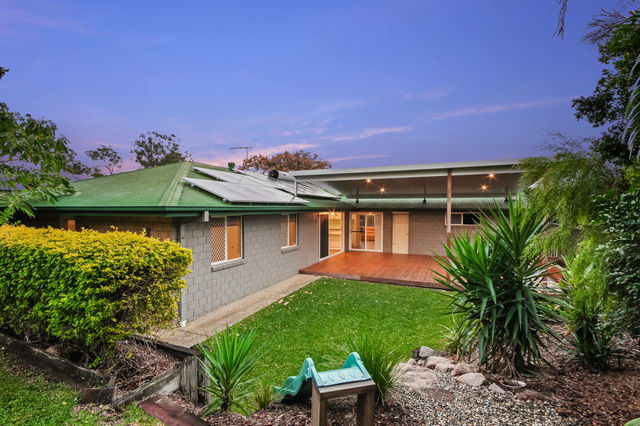 3 Avandel Court, Eatons Hill QLD 4037