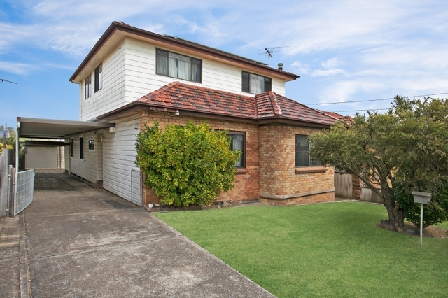 11 Catherine Street, Waratah West NSW 2298