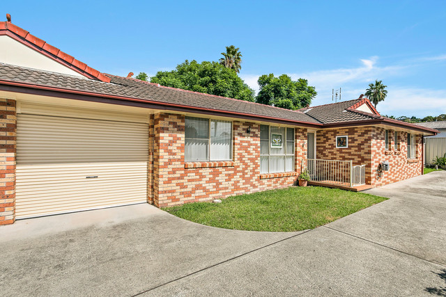 2/61 Charlotte Crescent, NSW 2527