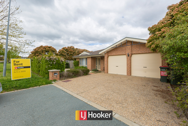 14 Dacomb Place, Dunlop ACT 2615