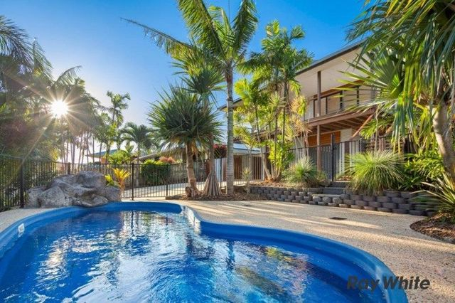 55 Country Rd, Cannonvale QLD 4802