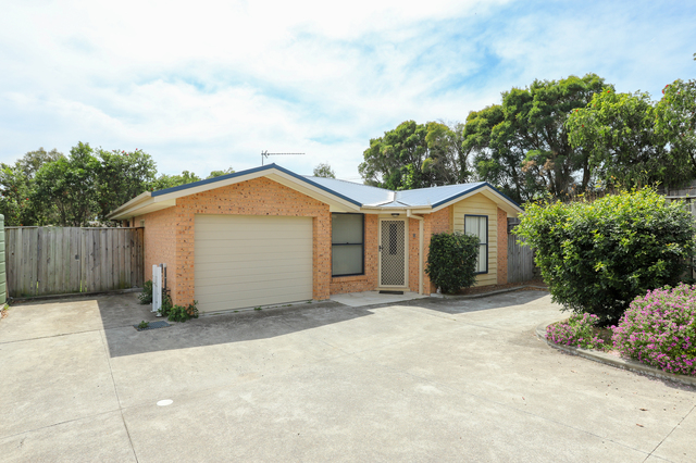 2/21 Hillview Avenue, Dungog NSW 2420