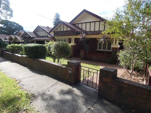 11 Wychbury Avenue, NSW 2132