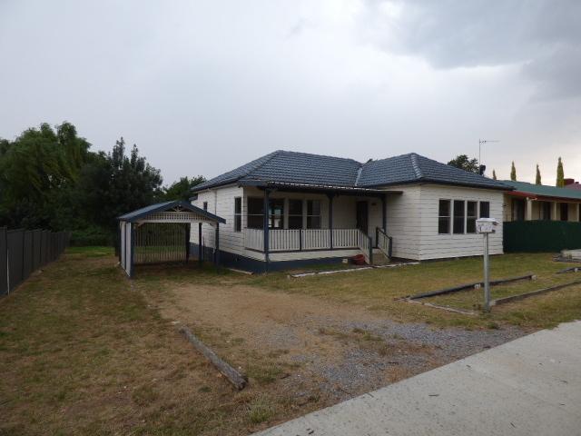 229 Albury Street, Harden NSW 2587