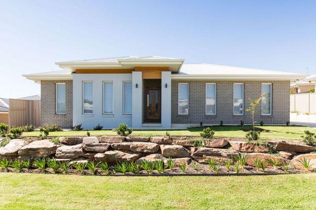 1/10 Murndal Place, Bourkelands NSW 2650