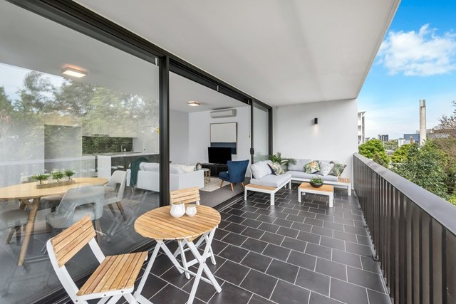 211/31 Peter Doherty Street, QLD 4102