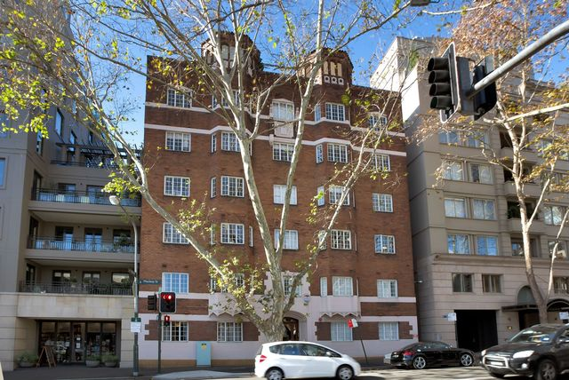 8/16 MacLeay Street, NSW 2011