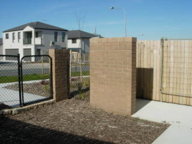 3/2 Neil Currie Street, Casey ACT 2913