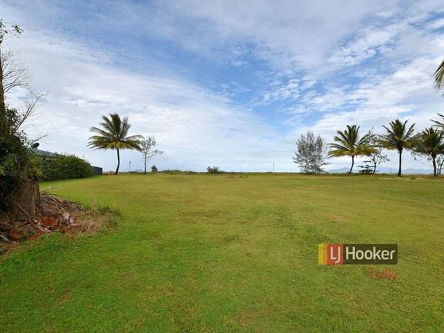 52-54 Taylor Street, Tully Heads QLD 4854