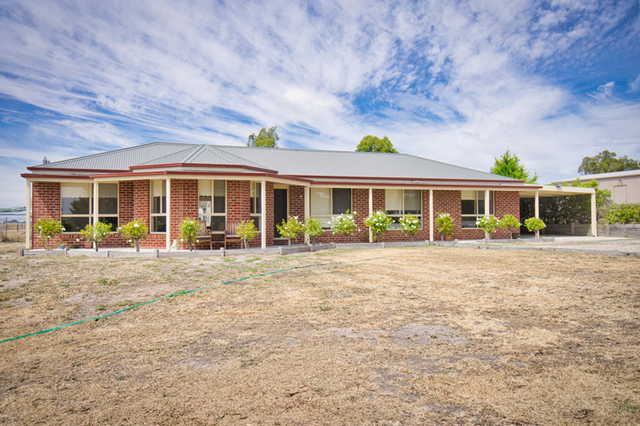 175 Bells Road, Smythes Creek VIC 3351