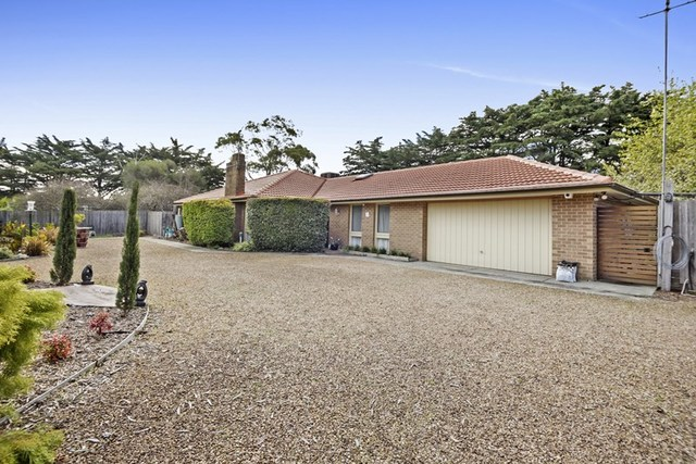 100 Fielding Drive, Gisborne South VIC 3437