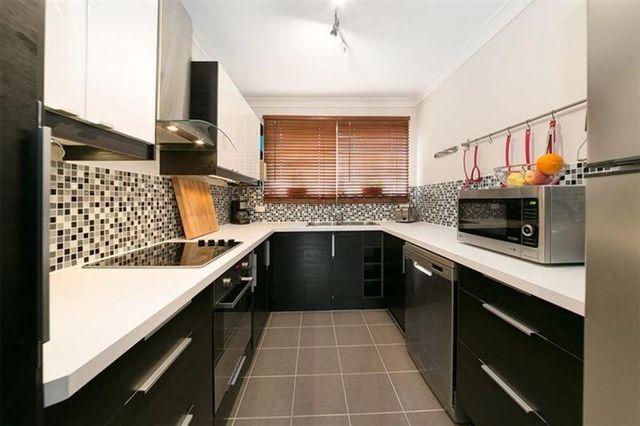 2/34 Macaulay Street, QLD 4151