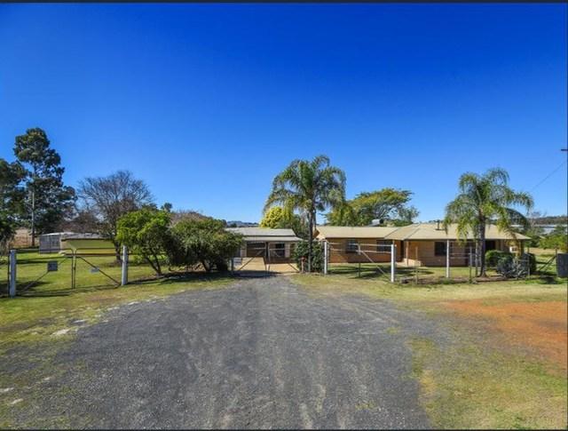 92-100 Hamlyn Road, Oakey QLD 4401