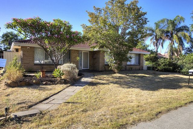 107 Sussex Road, Forrestfield WA 6058