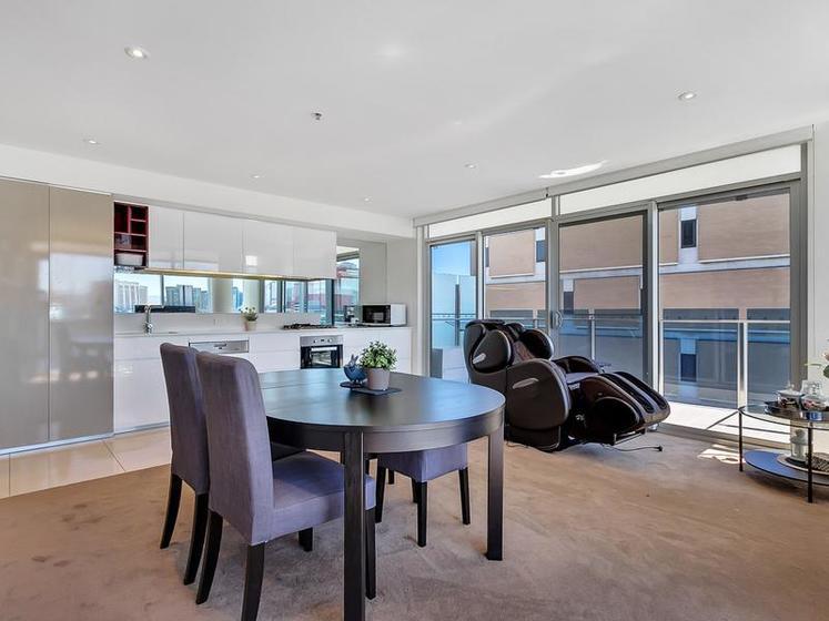 606 271 281 gouger street adelaide sa 5000 apartment for Garage flooring adelaide
