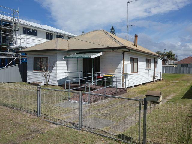 10 Milliken Street, Tuncurry NSW 2428