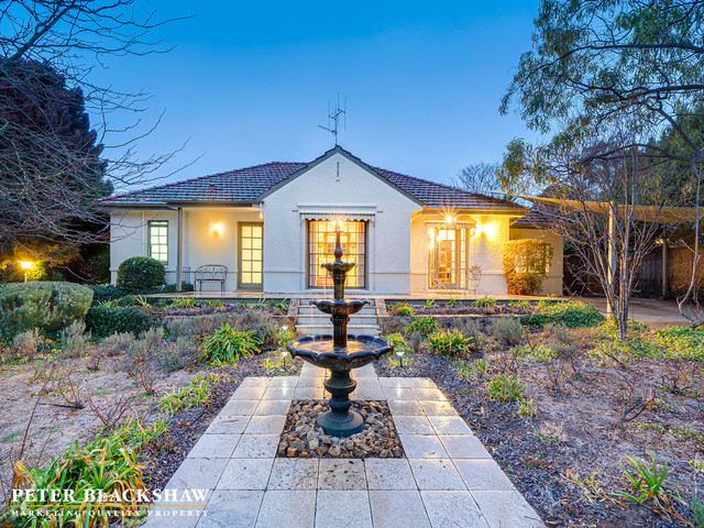 18 Dampier Crescent, ACT 2603