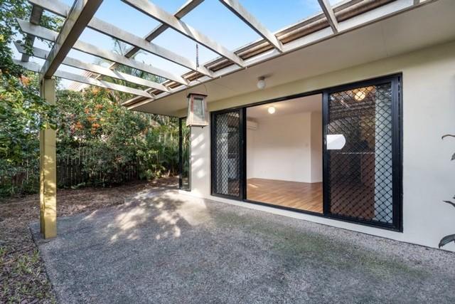 2/12 Longlands Street, East Brisbane QLD 4169