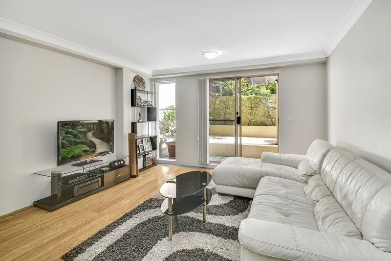 Lovely 1/30 Ridge Street,North Sydney NSW 2060