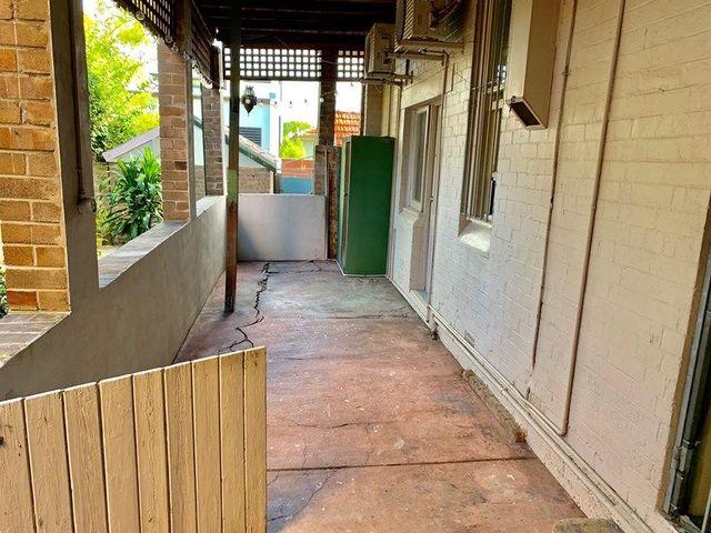 2/126 Albany  Road, NSW 2048