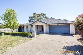 19 Dora Street Jerrabomberra NSW 2619